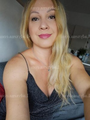 Lilouna massage sexy escorte girl