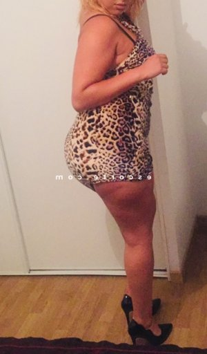 Eya escorte girl massage au Loroux-Bottereau